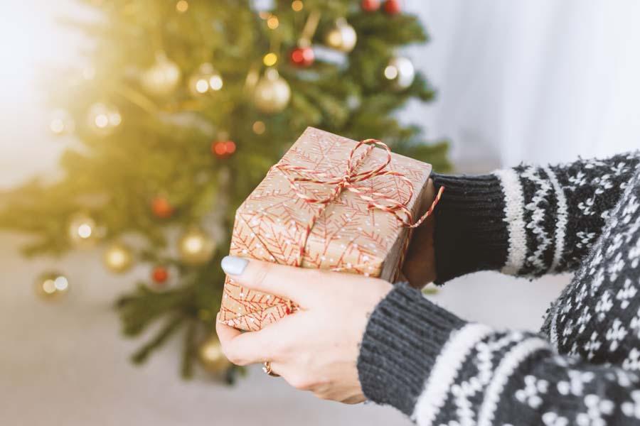クリスマスプレゼントの金額相場