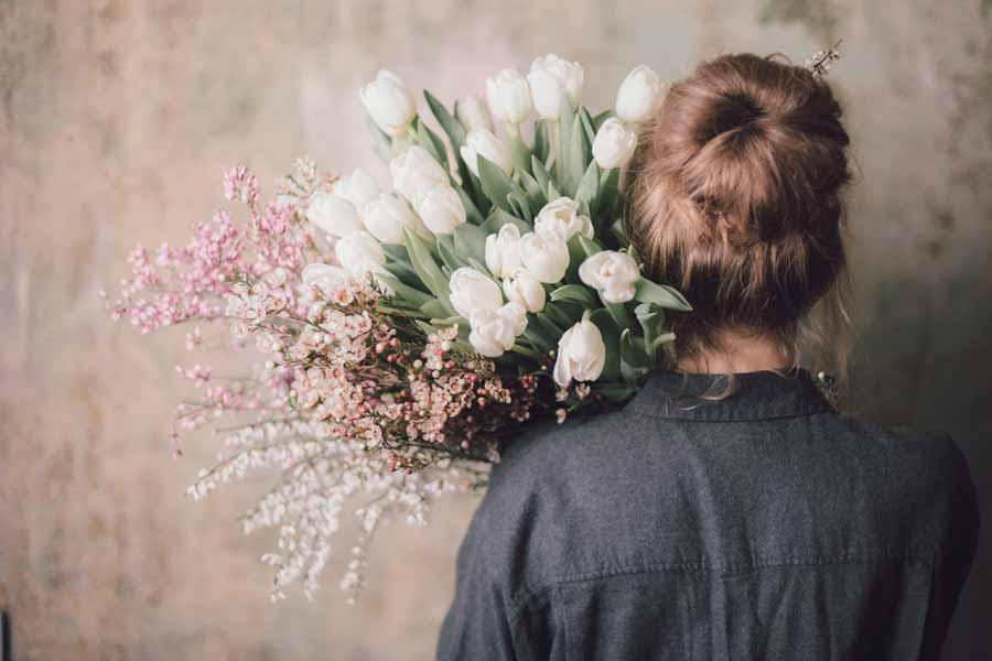 お花は開店祝いの定番
